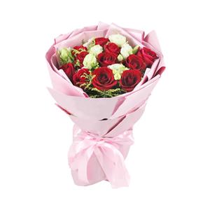鲜花/想你:11枝红玫瑰 配材:绿色桔梗、黄英点缀 花 语:思
