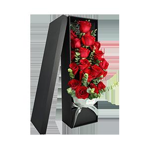 鮮花/熱戀:19枝精品玫瑰花盒 尤加利葉間插搭配 花 語:熱戀