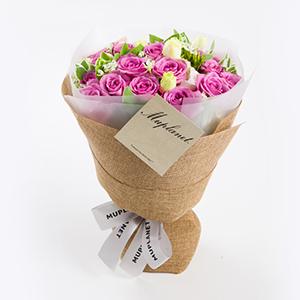 鲜花/一品夫人: 19枝精品紫玫瑰(全国市区均免费配送,配送至县