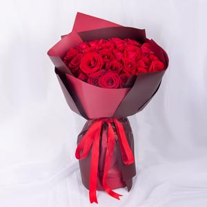 鮮花/女王:33枝紅玫瑰精美韓式包裝 花 語:讓我守護你,我的