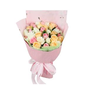 鮮花/美好時光:11枝白玫瑰、11枝香檳玫瑰、11枝戴安娜粉玫瑰