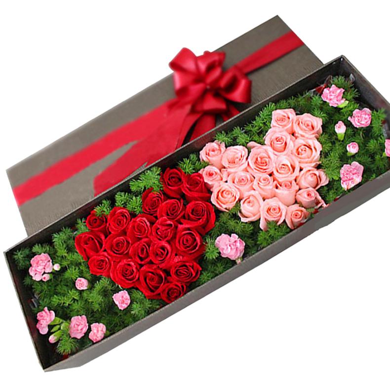 鲜花/心心相印: 18支红玫瑰,18支粉玫瑰,配材:8支多头粉色