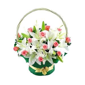 鮮花/芳心:6枝多頭白香水百合,19枝粉玫瑰間插 配材:配葉