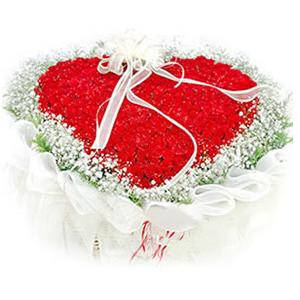 鲜花/天长地久: 99枝红玫瑰心形花盘包装  [包 装]:心形