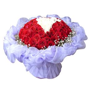 鲜花/柏拉图之恋:50枝红玫瑰,16枝白玫瑰 包 装:淡紫色羽纱圆形