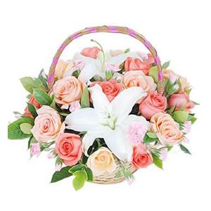 鲜花/欢乐时光:粉玫瑰9枝,香槟玫瑰9枝,多头香水百合1枝 配材:栀