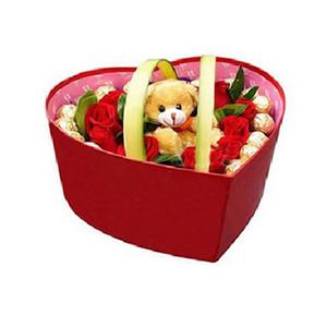 鮮花/草莓唇印:18朵紅玫瑰,12顆巧克力 包 裝:精美禮盒