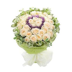 鮮花/星光無限:香檳玫瑰33朵 包 裝:綠色卷邊紙內襯,綠色紗網圍