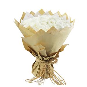鮮花/愛你在心口難開:33枝精品白玫瑰 包 裝:白色棉紙內襯,多層牛皮紙