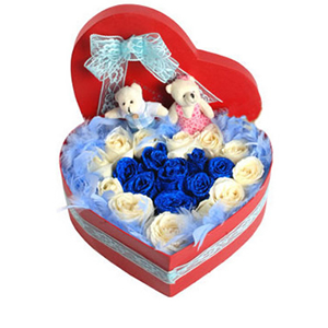 鲜花/不相离: 蓝色妖姬8枝,白玫瑰12枝  [包 装]:蓝