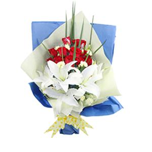 鲜花/相知相守: 11枝红玫瑰,4枝白色百合  [包 装]:蓝