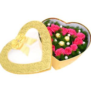 鲜花/浓情巧克力: 12枝桃红色玫瑰,3颗巧克力  [包 装]:
