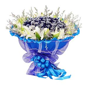 鲜花/牵手一生:66枝蓝色妖姬,9枝多头白百合 包 装:蓝色卷边纸