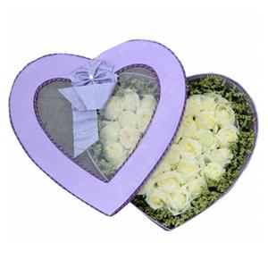 鮮花/想你的夜半時分:33枝白玫瑰 配材:水晶草圍邊 花 語:想你的夜半