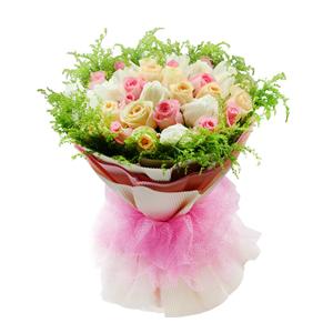 鮮花/完美幸福:粉色、白色、香檳色三色玫瑰各11枝 包 裝:米白色