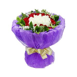 鲜花/幸福在身边: 11枝白玫瑰,16枝红玫瑰  [包 装]:紫