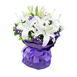 鲜花/一抹微笑: 11枝香水百合。  [包 装]:紫色瓦楞纸多