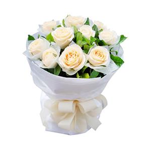 鮮花/課桌上的秘密:11枝香檳玫瑰單獨包裝。 配材:綠葉豐滿 花 語: