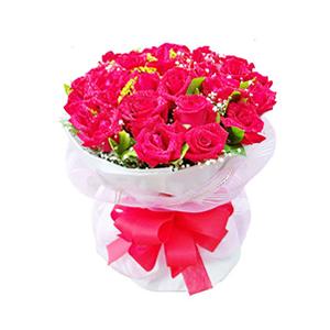 鮮花/夏夜晚風:33枝紅玫瑰。 包 裝:白色瓦楞紙包裝,粉色紗網外