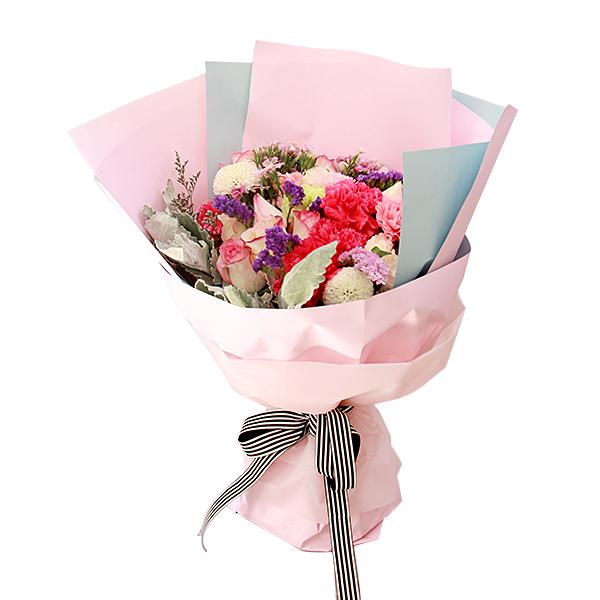 鲜花/馨意满满:12支粉康+9支彩玫瑰加石竹枚、勿忘我等混合搭配