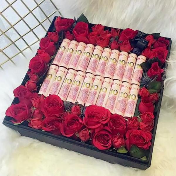 鲜花/520有钱花创意礼盒: 红玫瑰  [包 装]:人民币鲜花组合方形礼盒