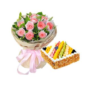 浪漫組合/這就是愛情: 11枝粉玫瑰,梔子葉豐滿;圓形鮮奶水果蛋糕,各