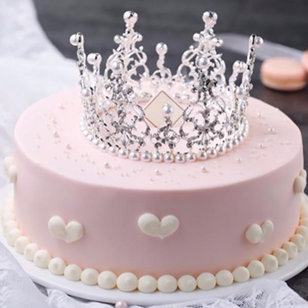 蛋糕/粉紅寶貝:優質奶油,王冠點綴 祝 愿:遇上你的那天,陽光最是
