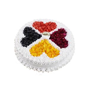 蛋糕/心灵相通: 圆形欧式水果蛋糕,各色水果爱心式艺术装饰,白色