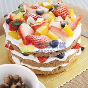 蛋糕/小清新裸蛋糕:巧克力鲜奶鸡蛋胚+水果夹心+新鲜水果铺面 祝 愿: