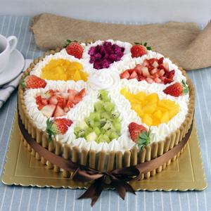 蛋糕/快樂無限:原材料:牛奶雞蛋胚,優質奶油,新鮮時令水果,拇指餅干圍邊