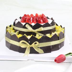 蛋糕/为你祝福:原材料:双层圆形水果蛋糕,时令水果艺术装饰,纯手工巧克力片围