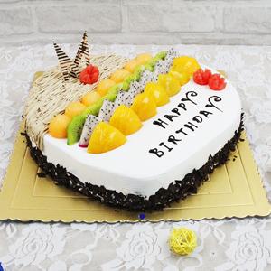 蛋糕/美好祝愿:原材料:水果 鲜奶 巧克力 蛋糕说:用我生命的力气,给你吹