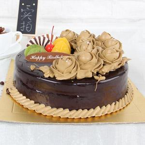 蛋糕/一生的爱:原材料:时令水果 奶油 蛋糕说:浓情蜜意 爱情加分