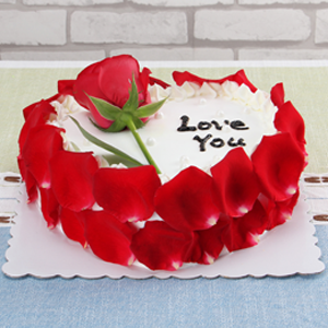 蛋糕/玫瑰之约:新鲜奶油,鸡蛋牛奶胚,玫瑰花瓣围边 祝 愿:终于让