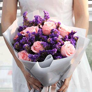 鲜花/真情永恒:9枝粉玫瑰+高级配草 花 语:再平凡的细水长流,也