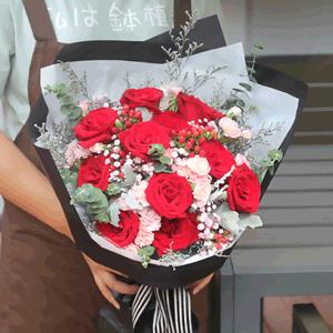 鲜花/谢谢你的爱:11朵红玫瑰,多头康乃馨 花 语:谢谢你的爱和关怀