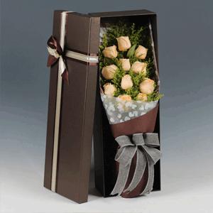 鮮花/幸福滿溢:11枝香檳玫瑰韓式精美禮盒 花 語:看著你,感受你