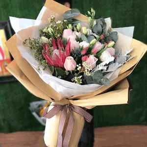 鲜花/温婉:19枝粉玫瑰 高级配花混搭 花 语:温婉如你 伴我