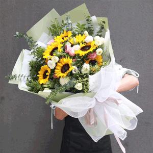 鲜花/笑意吟吟:29枝混搭玫瑰+向日葵+高级配花 花 语:不管未来
