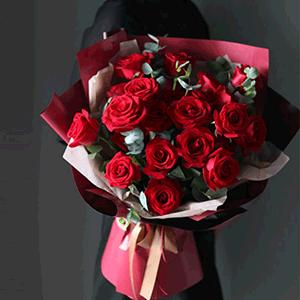 鮮花/紅色盛宴:29枝紅玫瑰 花 語:世人謂我戀長安,其實只戀長安