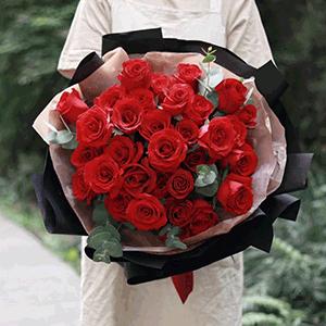 鮮花/只給你寵愛:29枝紅玫瑰 花 語:紅衣佳人白衣友,朝與同歌暮同