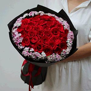 鮮花/晴朗花開:29枝紅玫瑰+高級配花 花 語:我不在意任何世俗的