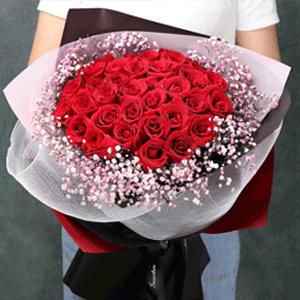 鮮花/兩情久長時:33枝精品紅玫瑰+滿天星 花 語:愛上你的那天,是