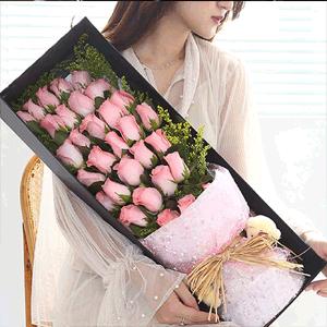 鮮花/一眼萬年:33枝粉色玫瑰禮盒 花 語:一眼萬年,深情不減